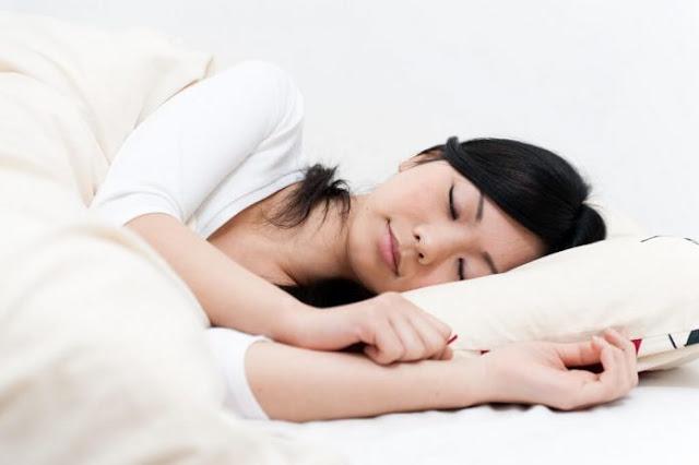 8 Posisi Tidur yang Baik Agar Tubuh Tetap Sehat dan Bugar