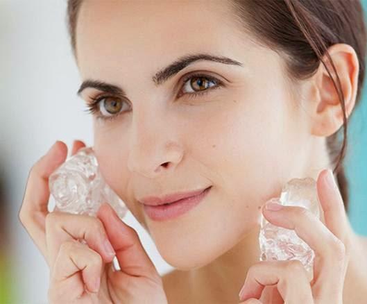 Manfaat Facial dengan Es Batu