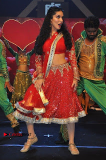 Bollywood Actress Model Sunny Leone Dance Performance in Red Half Saree at Rogue Audio Launch 13 March 2017  0128.jpg