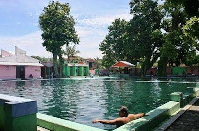 Tempat wisata Umbul Jolotundo