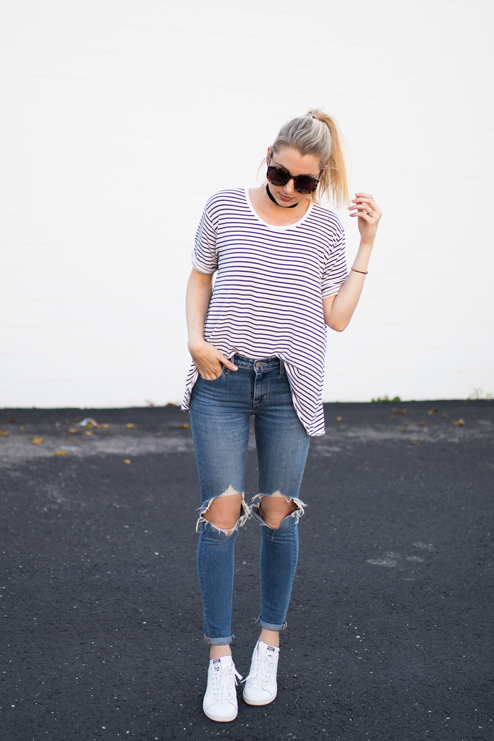 Casual jeans & tee outfit