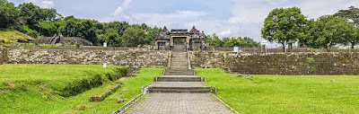 akcayatour, Travel Malang Jogja, Kraton Ratu Boko, Travel Jogja Malang