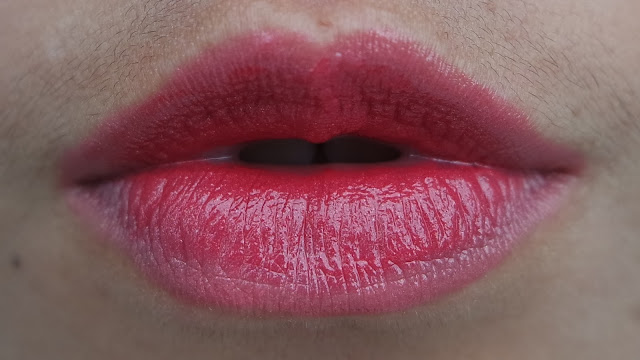 Ombre Lips with  ULTIMA II ProCollagen Lipstick Spice and Glam Berry