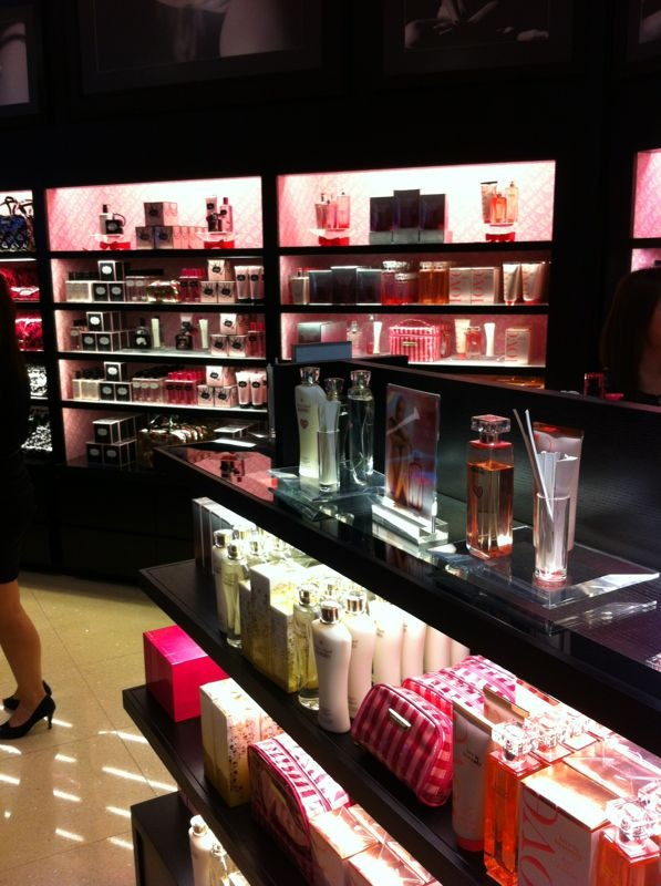 52c13efb33 Victoria s Secret Accesories and Beauty Launch