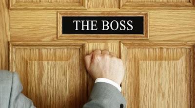 Menjadi Bos Bukan Satu-Satunya Tanda Orang Sukses di Kantor