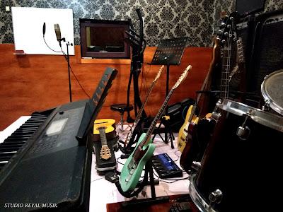 studio recording jakarta timur dan les / kursus gitar, piano keyboard, bass, drum