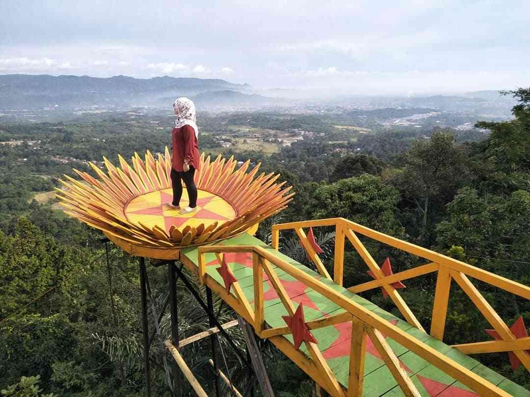 Wisata Bukit Bintang Bogor Panorama Alam Dengan Spot Foto Keren Lapis Bogor Sangkuriang