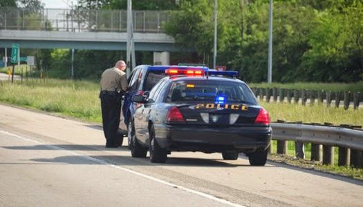 Policía detiene vehículo y habla de Jesús