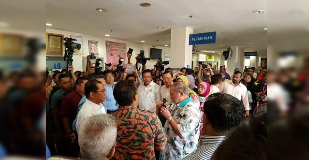Tidak Tahan Melihat Nasib Mangsa Kebakaran Hospital Akhirnya Sultan Johor Sultan Ibrahim Iskandar Buat Keputusan Yang Menggemparkan!! Memang Terbeliak Mata Dengan Kebaikkan sultan Johor Ni!! Syabas Sultan!! Macam Ni Yg Rakyat Malaysia MAhukan!