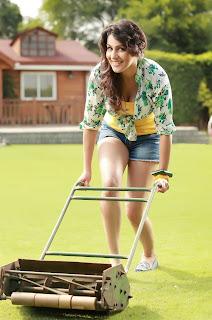 Actress Yamini Malra Pictureshoot Gallery  0004.jpg