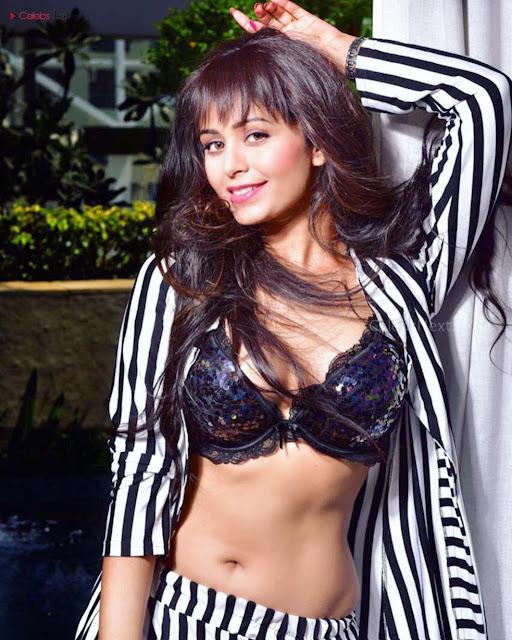 Bollywood beauties Models Actress Top Star Exlcuisve Summer Pics 2018 (1).jpg