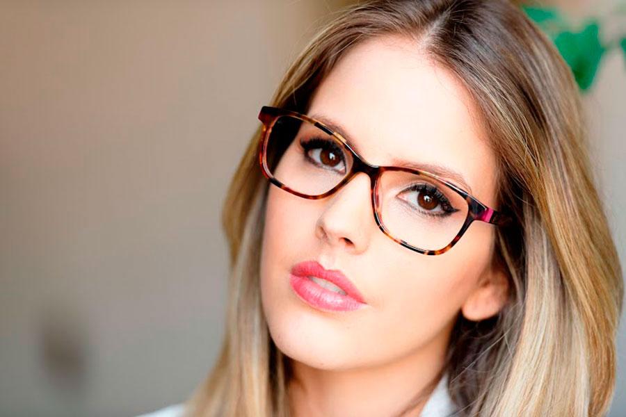 5 Dicas de Maquiagem para Quem Usa Óculos