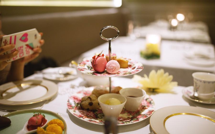 macaron scones myberlinfashion afternoon tea taj hotel