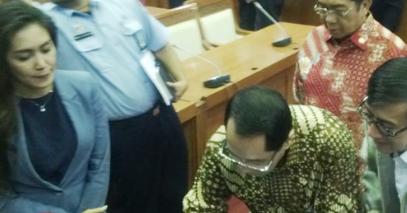 GTT PTT & HONORER DENGAN MASA KERJA MINIMAL 3 TAHUN AKAN LANGSUNG DIANGKAT JADI PNS