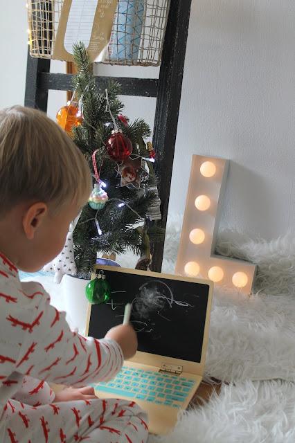 Spielzeug Bloomingville Laptop Weihnachten concept store tausendkind weihnachtsgeschenke trixi schlafanzug krokodile Jules kleines Freudenhaus