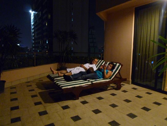 La terraza del hotel Rembrandt en Bangkok