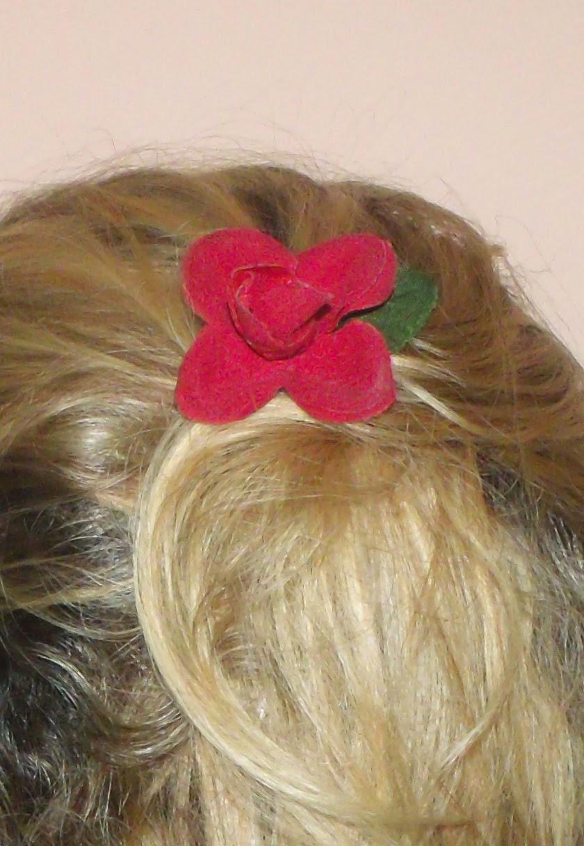 Detalhes, rosa no cabelo, penteado princesa
