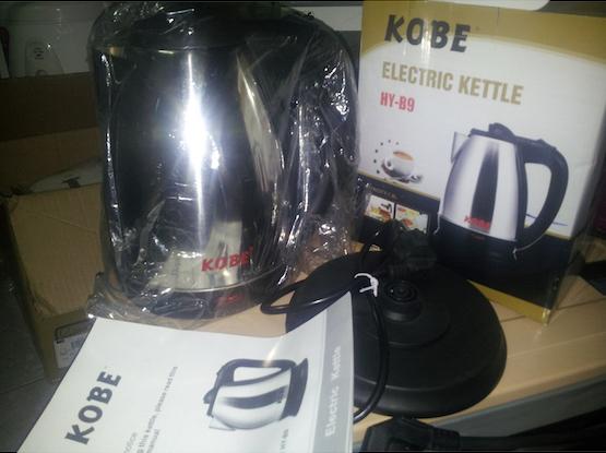 Ấm đun siêu tốc hiệu KOBE HY-B9