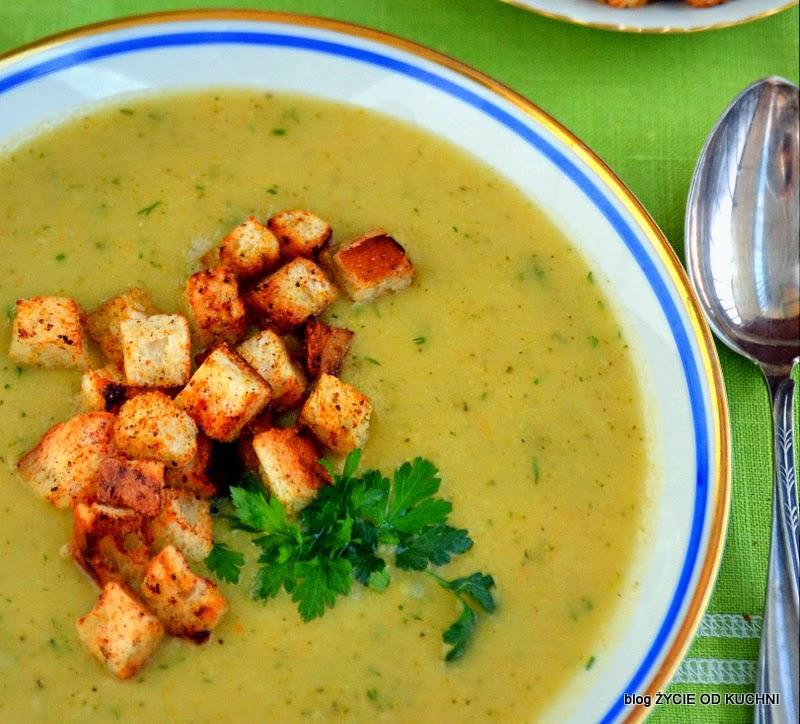 jarzynowa zupa krem, pazdziernik sezonowe owoce pazdziernik sezonowe warzywa, sezonowa kuchnia, pazdziernik, zycie od kuchni