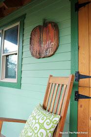 pumpkin sign, fall decor, wood pumpkin, jigsaw, hello fall, http://goo.gl/RHR2Yq