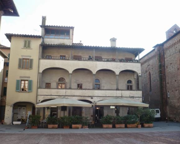 Edificio nella Piazza di San Giovanni Valdarno