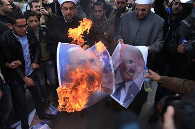 مواجهات بين شبان فلسطينيين وقوات الإحتلال