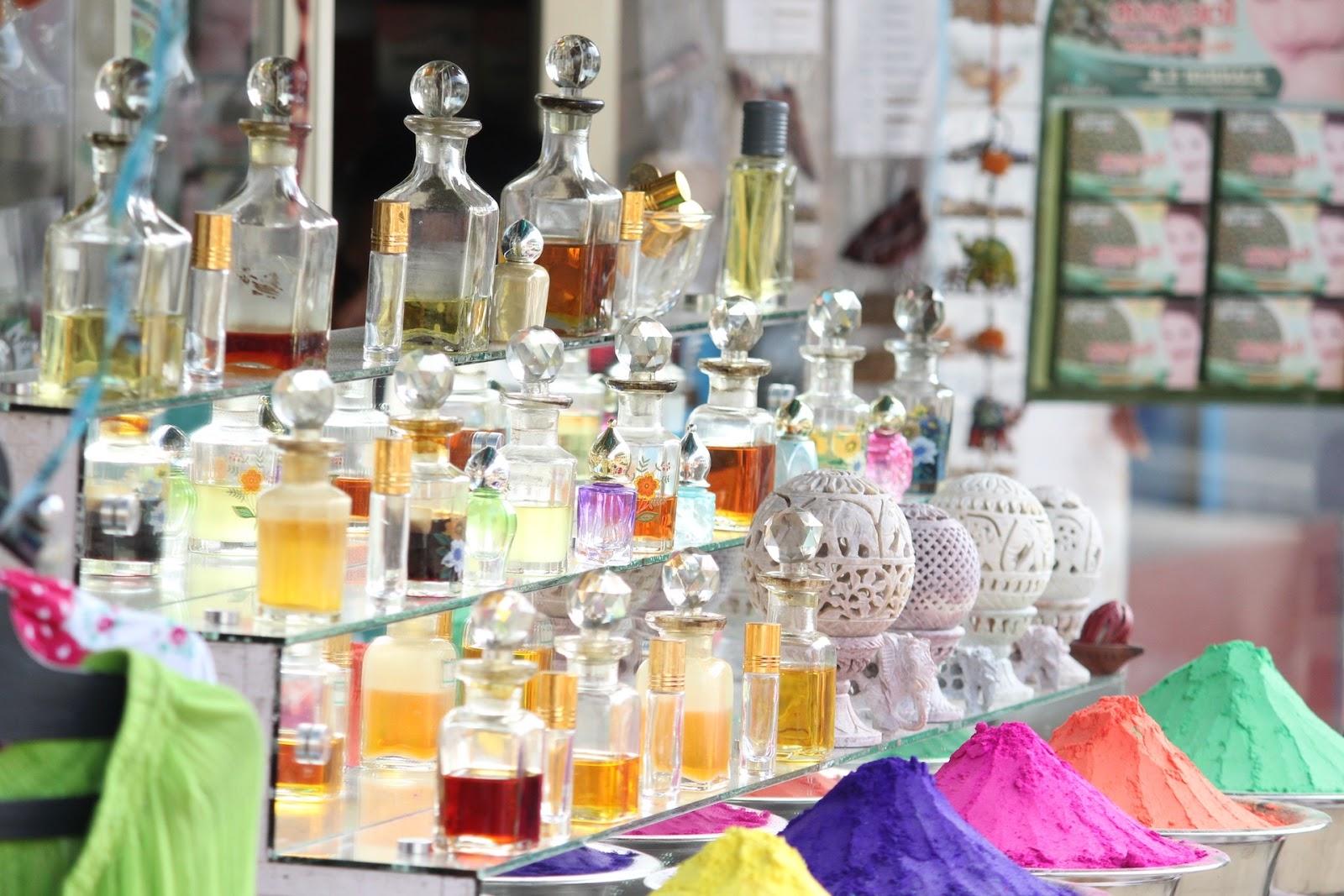 829a3f13676 Reunimos 13 dicas para comprar perfumes importados originais em lojas  online!