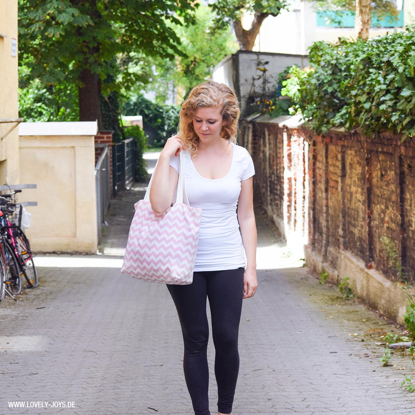 Frau Park Tasche rosa Chevron Muster blond locken