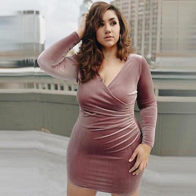 Memilih Baju Atasan Wanita untuk Anda yang Memiliki Tubuh Besar