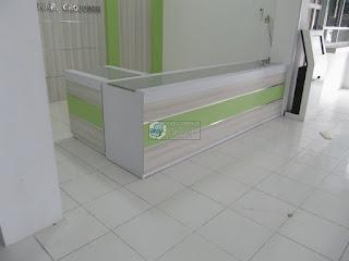 Furniture Interior Ruang Pendaftaran Puskesmas - Furniture Interior Semarang - Meja Front Desk Top Table Granit