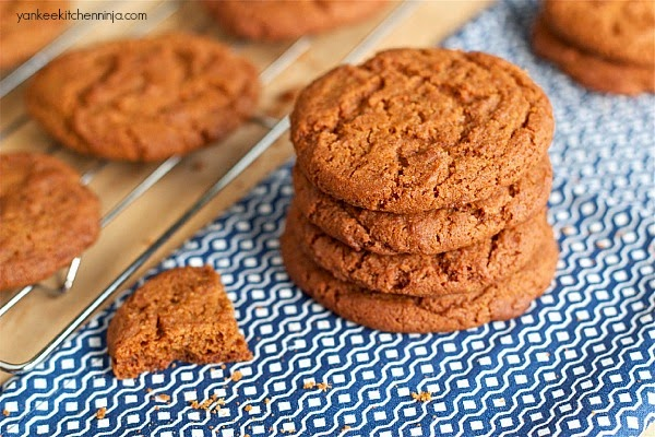 ginger molasses spice cookies - a copycat recipe for Ivins Spice Wafers