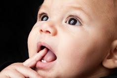 Jika Si Kecil Tumbuh Gigi Begini Ciri cirinya