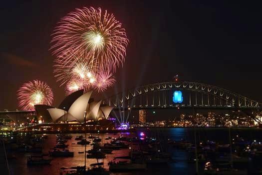New Year 2016 Eve Celebration Fireworks Sydney Pics