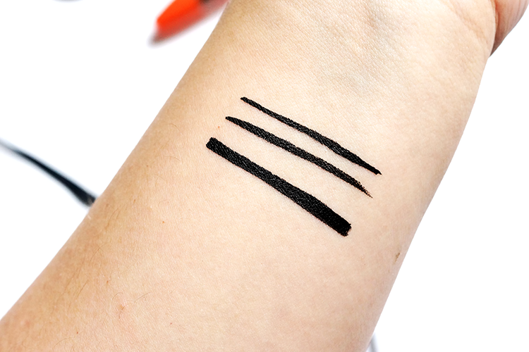 rimmel-scandaleyes-eyeliner-waterproof-swatches