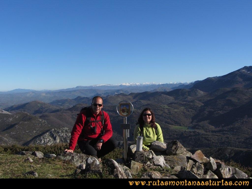 Area Buyera, picos Grandamiana y Plantón: Cima del Plantón