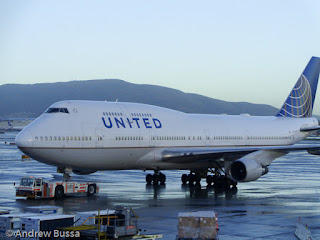 United Airlines 747 747-400 at SFO Airport