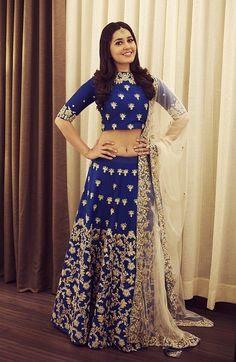 Rashi Khanna Hot Navel Images
