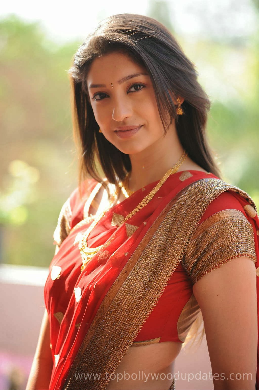 Indian Most Beautiful Girl Wallpaper Beautiful Tanvi Vyas In Orange Saree