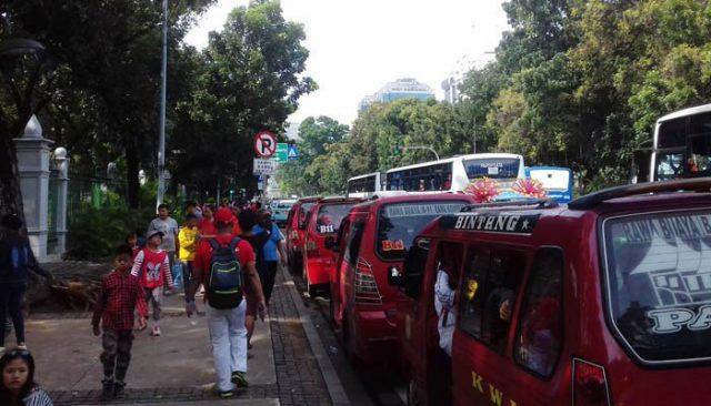 Acara 'Pesta Rakyat' di Monas Berlangsung Ricuh dan Dikeluhkan Warga