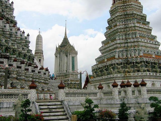 Keunikan Pesona Kuil Wat Arun Yang Bersejarah, Makin Memikat