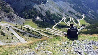 What List Of The World S Best Roads Would Be Complete Without Stelvio Pass It Is Dramatic Stunning And With 75 Hairpins Bends Somewhat Challenging