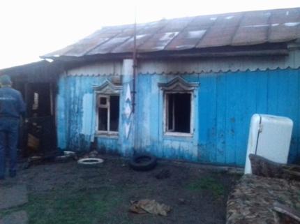 В Давлеканово при пожаре погибла женщина с двумя детьми