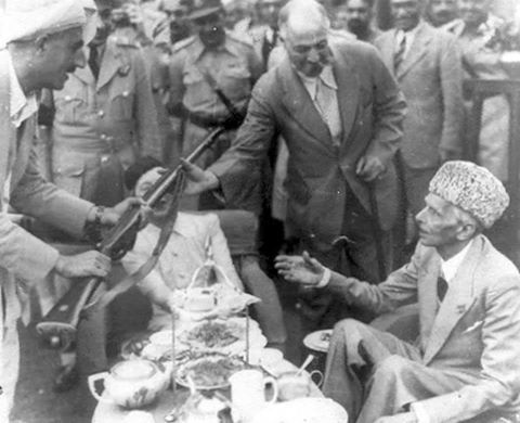 Quaid Azam buying gun from pathan