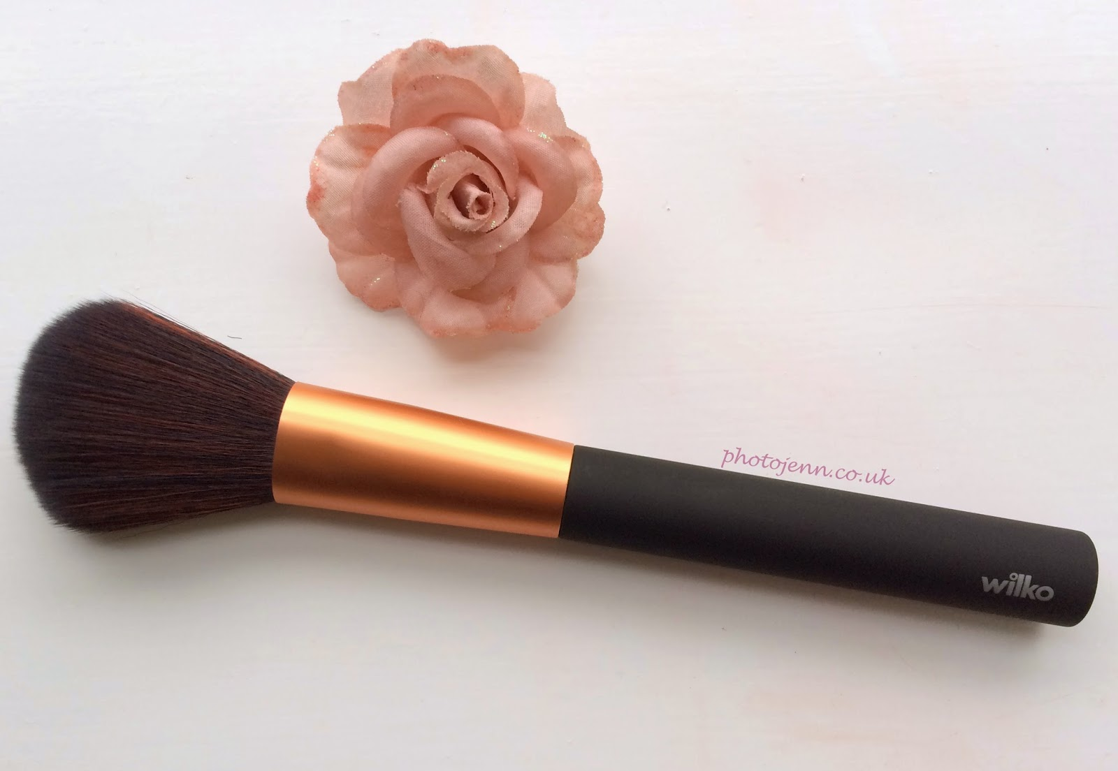 wilko-premium-blusher-brush