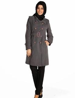 Baju kerja muslim modis dengan blazer