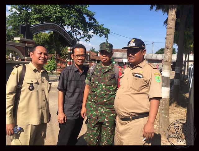 FOTO 4 : Dialog petani Desa Cidadap Kec. Pagaden Barat, Subang dengan MABES TNI AD, DANDIM 0605, Kabulog dan Dinas Pertanian Subang