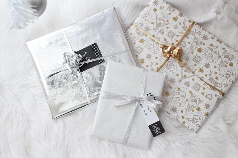 valkoinen lahjapaketointi