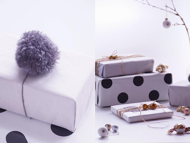 Weihnachtsgeschenke kreativ verpacken mit Seidenpapier, Tapetenmustern, Bommeln etc. in Naturtönen und Gold | DIY