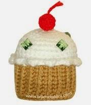 http://www.tejiendoperu.com/amigurumi/cupcakes-o-pastelitos/
