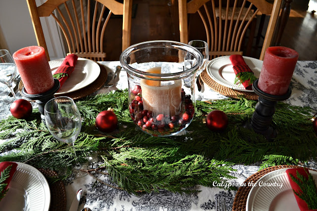 Centerpiece on Red, Black and White Christmas Table